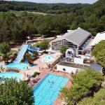 Mooie camping met binnen- en buitenzwembaden in Bretagne