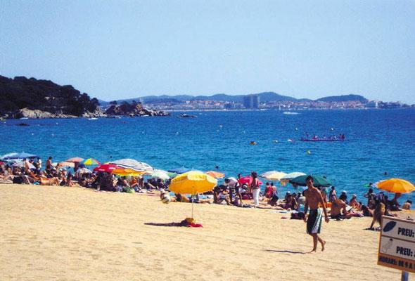 Camping aan de Spaanse kust met tieners