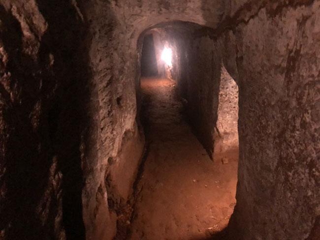 Vinc Moc tunnels