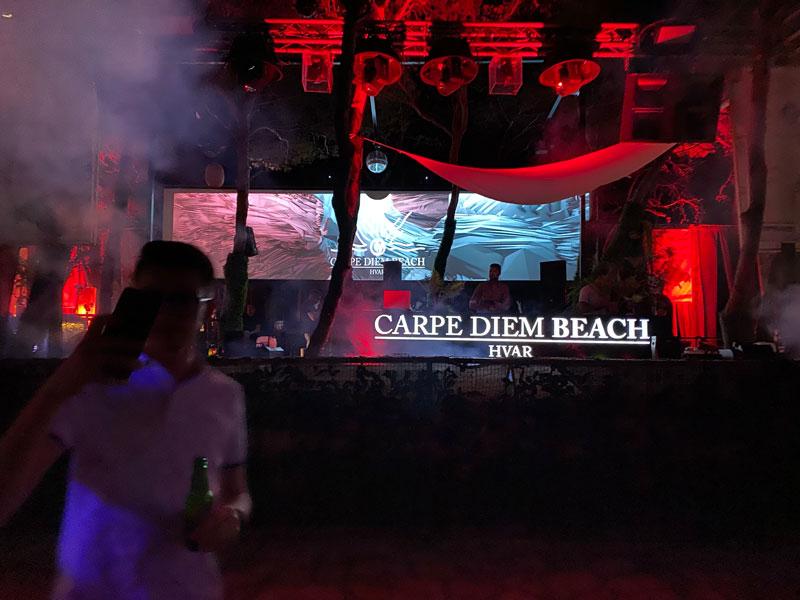 Carpe Diem Beach nachtclub, tijdens mijn reis door Kroatië