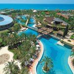 Prachtig hotel direct aan het populaire Lara Beach