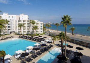 Lekker bijkomen vanuit mooi hotel op Ibiza