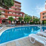 Top hotel in Sunny Beach met het strand en de strip op 100 meter afstand