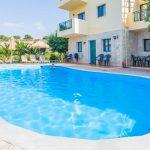 Hotel met zwembad dichtbij het bruisende centrum van Chersonissos