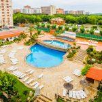 Mooi hotel direct aan de Strip van Blanes met zwembad