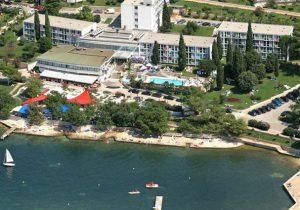 Feesten vanuit mooi all-inclusive hotel in het prachtige Kroatië