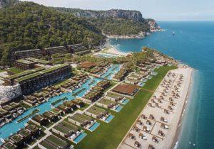 Extreme luxe bij resort in Turkije tussen twee baaien