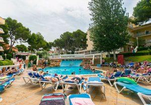 Ultieme feestvakantie vanuit luxe all-inclusive hotel in het bruisende El Arenal