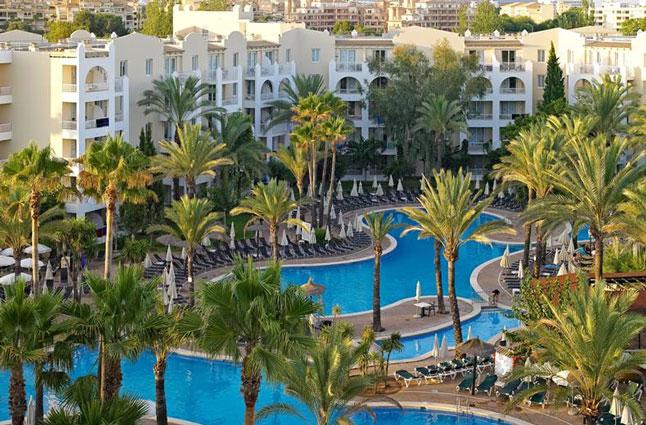 Zwemparadijs op Mallorca met tieners