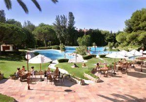 Veelzijdige camping met 3 zwembaden pal aan de Spaanse kust