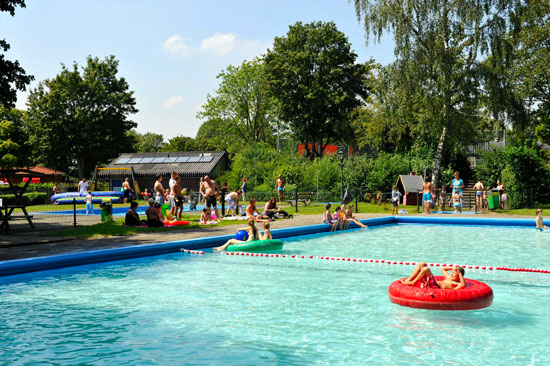 Recreatiepark en Jachthaven de Rhederlaagse Meren