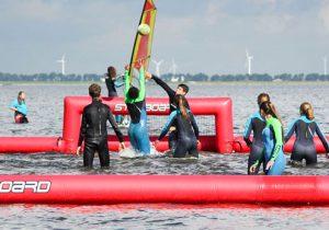 Beleef een gaaf wind- en kitesurfcamp aan het strand
