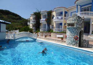 Appartementen met fantastisch uitzicht over bergachtige het Griekenland