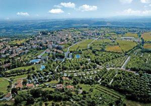 Italiaanse camping in Toscane met vier zwembaden