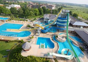 Vakantiepark Slovenie met zwemparadijs bestaande uit 22 zwembaden