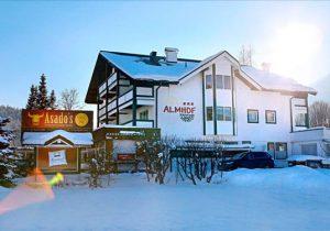Leuke wintersport in levendige omgeving van Kirchberg