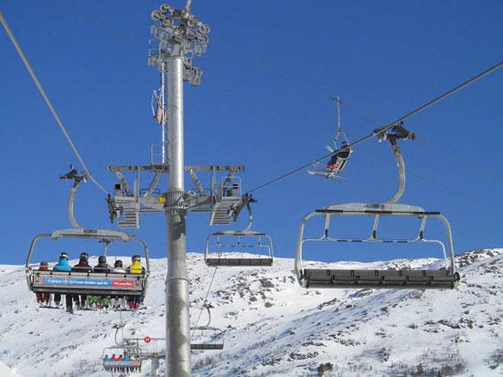 Wintersporten in Zweden met tieners