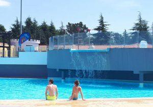 Leuke camping aan de Adriatische kust met leuk zwembad in Kroatië