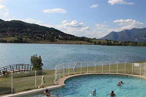 Geniet van je vakantie aan prachtig meer in de Alpen