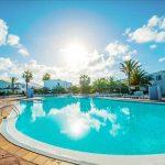 Mooi resort op het zonnige Lanzarote dichtbij het strand