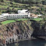 Mooi hotel op klif in São Miguel