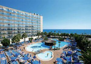 Modern hotel aan de Costa Brava
