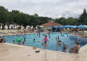 Meerder zwembaden op Camping Lanterna-Valamar