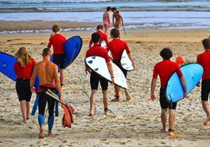 Leuk surfkamp met leeftijdsgenoten in Spanje