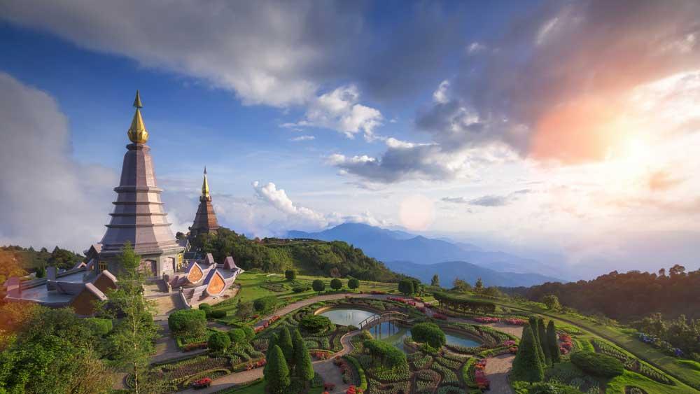 Uitzicht hoogste berg Doi Ithanon Chiang Mai Thailand