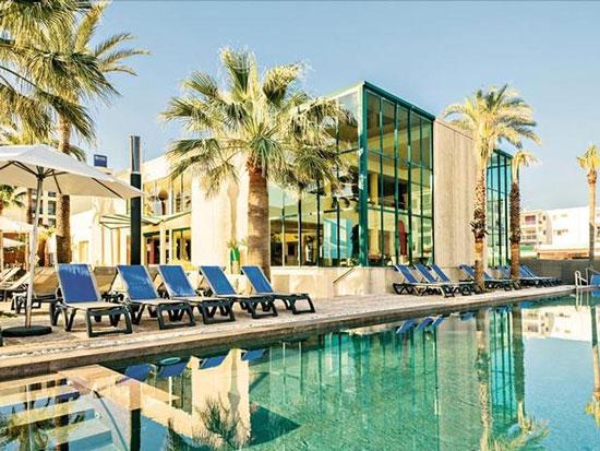 Hotel op Ibiza met tieners