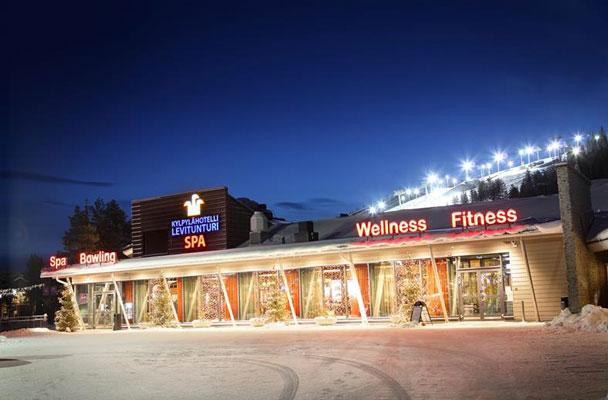 Wintersport in Finland met tieners